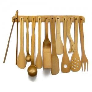 Talheres de bambu com suporte