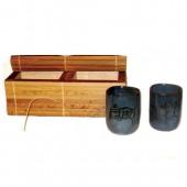 Copos de cerâmica na caixa de Buriti
