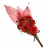 Bouquet de flores vermelhas – folhas esqueletizadas- SP
