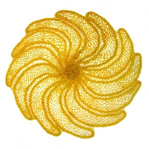 Centrinho amarelo – bananas-  renda de agave – PI